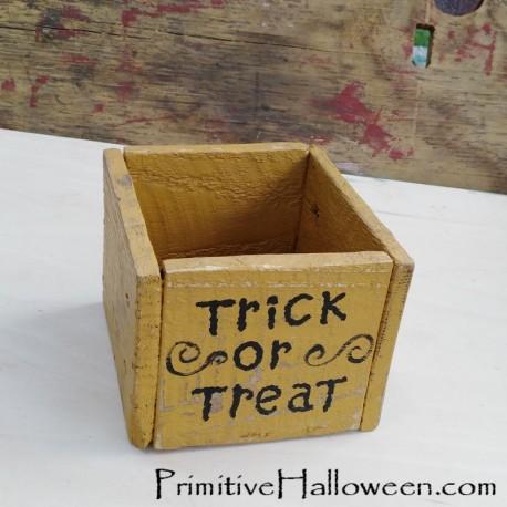 Primitive Trick Or Treat Wood Box Spider Painting Halloween Folk Art